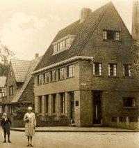Bank op dorpsplein